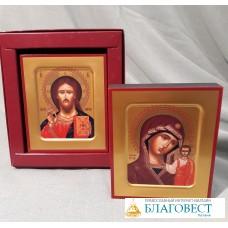 Икона Господь Вседержитель или Пресвятая Богородица, в коробке.  8,8 х 10,4 см